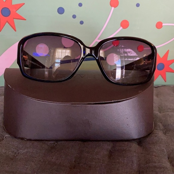 Pre-Loved sunnies… They look brand new!
